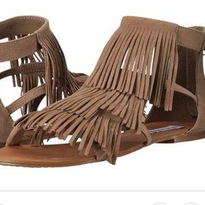 Shoes - STEVE MADDEN 'Favorit' Fringe sandal grey